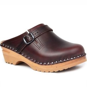 Troentorp Leather Clogs sz 37 us 7